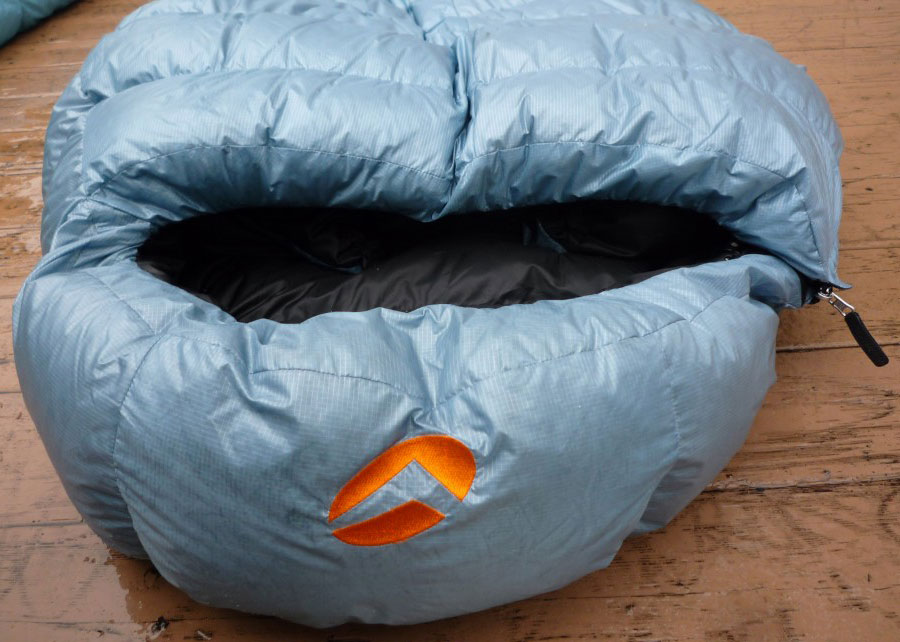 Valandre Shocking Blue down sleeping bag Hood