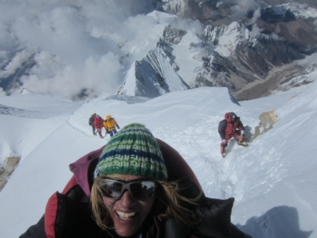 Billi Bierling summits Manaslu. Her first without O2, and her first with Valandre